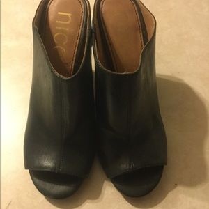 Nicole heels black 4 1/2 inch heel like new